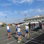 市長も来て盛り上がる浮島区民・東小合同体育祭。