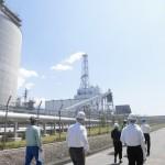 鈴川エネルギーセンター火力発電所を視察。